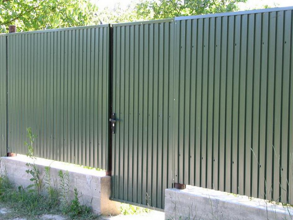 Как сделать красивый забор из профлиста